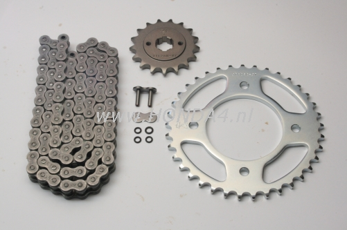 -> Chainkit CB550 with O-ring chain
